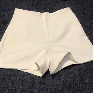 Zara woman white shorts skirt  size M